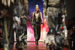 Event-Gallery-Camilla-Runway-VAMFF-2014-22