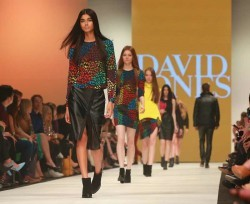 Event-Gallery-VAMFF-David-Jones-Runway-2014-Akin-411