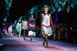 Event-Gallery-Romance-Was-Born-Bush-Magic-Runway-VAMFF-2014-7